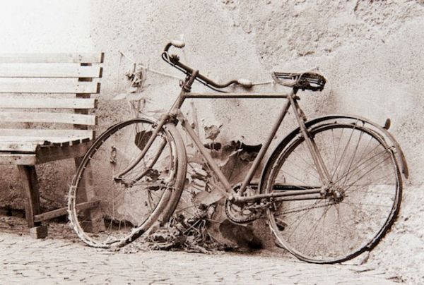 Bicycle (Italy) by Bruce Zander | ArtworkNetwork.com